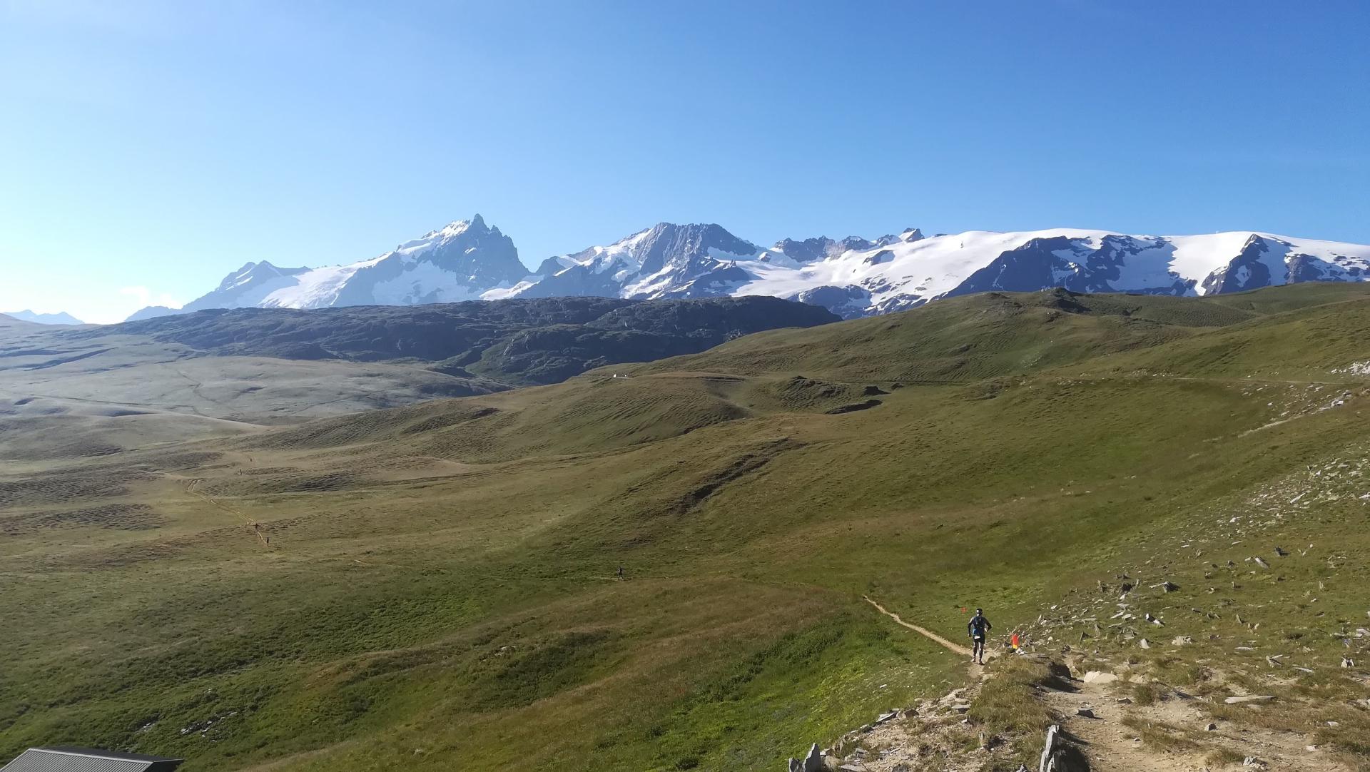 Ultra Oisans Trail Tour 2020 : Plateau d'Emparis, presque seul au monde...